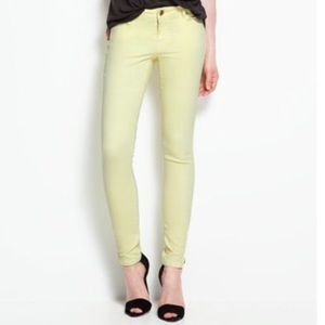 Beautiful light yellow jeans. New without tags!